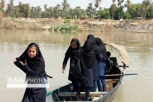 تردد اهالی37 روستای خوزستان با قایق /ترک تحصیل 20 درصد دانش آموزان «باوی» از ترس غرق شدن
