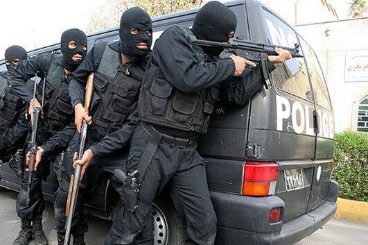 کشف پورشه و آزرا از خانه سارق/ شلیک بیش از 30 گلوله به سمت پلیس