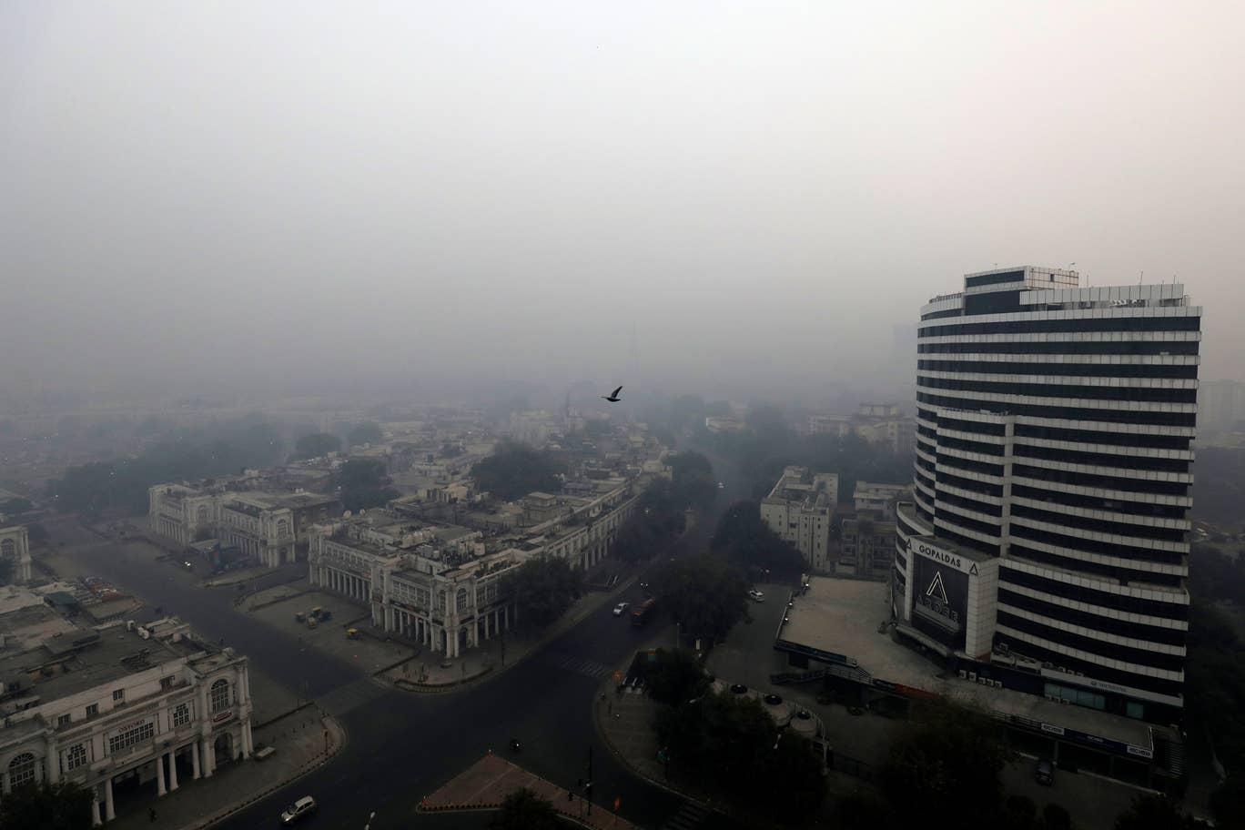 وضعیت بحرانی هوا در هند (+عکس)