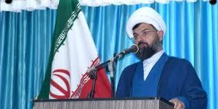 امامجمعه دلوار (بوشهر): فساد، بیحجابی و بیبندوباری در برخی مکانها بیداد میکند/  باید با هنجارشکنان برخورد قاطع و بدون تعارف کرد