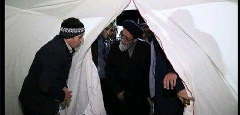 ابلاغ پیام همدردی مقام معظم رهبری به زلزله زدگان توسط امام جمعه تبریز