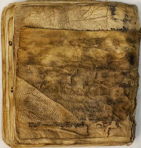 قدیمیترین کتابهای موجود جهان (+عکس)