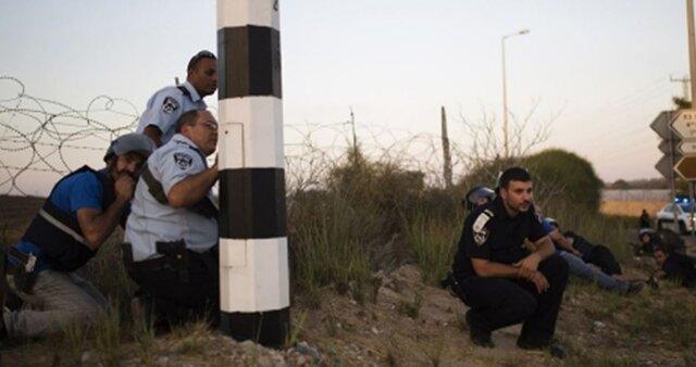 مانور نظامی اسرائیل در اطراف غزه و تخلیه یک شهرک برای اولین بار