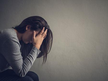 احساس تنفر از خود چیست و چگونه می توان از آن رها شد؟