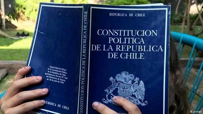 شیلی؛ از اعتراض به گرانی بلیط مترو تا توافق بر سر تغییر قانون اساسی
