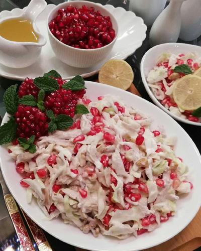 طرز تهیه سالاد انار و مرغ