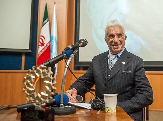 پرفسور فضل الله رضا در 105 سالگی درگذشت