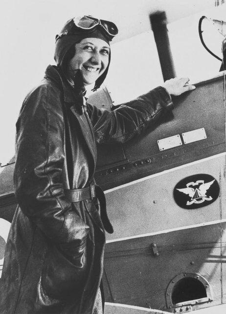 تغییر لوگوی گوگل به افتخار اولین زنی که به تنهایی 157 ساعت پرواز کرد