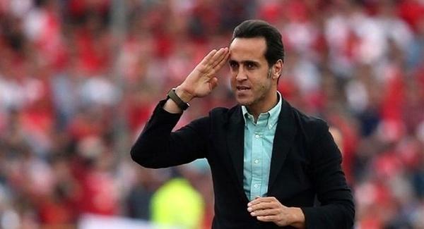 علی کریمی ایران را ترک کرد