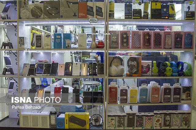 چه کسانی موبایل را گران میکنند؟