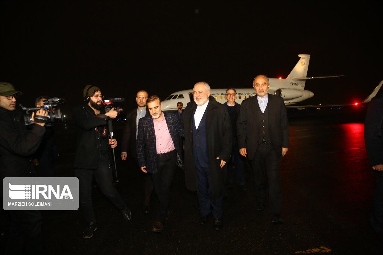 ورود دانشمند ایرانی محبوس در آمریکا به کشور