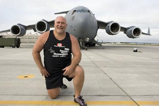 رکورددار کشیدن هواپیما