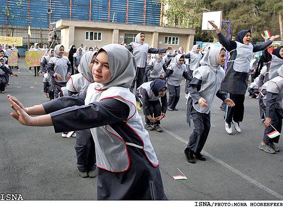 ممنوعیت فعالیت بدنی در فضای باز مدارس تهران تا ۶ آذر