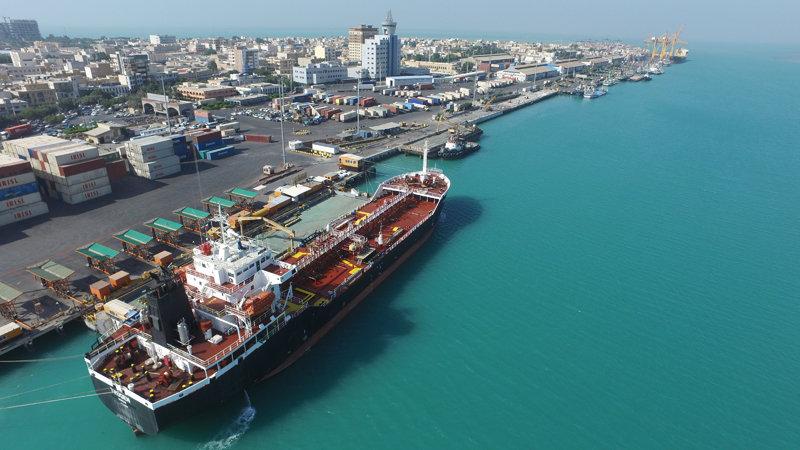 کشتی حامل برنج در بندر بوشهر پهلو گرفت