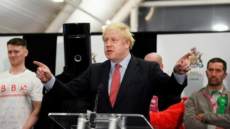 انتخابات بریتانیا؛ حزب محافظهکار اکثریت کرسیها را گرفت/ جانسون: نتیجه آراء به معنی تحقق برگزیت است