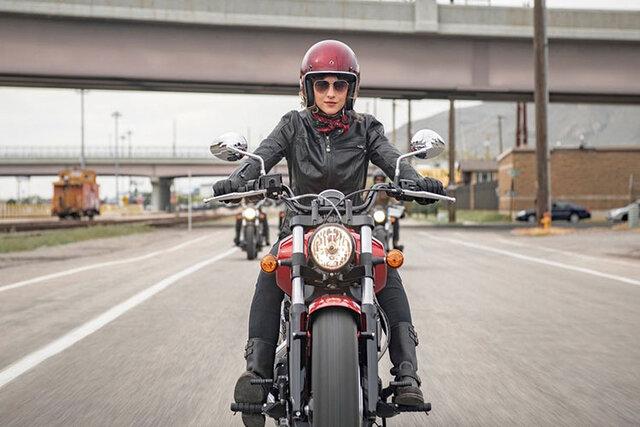 مخالفت یک شعبه دیوان عدالت با صدور گواهینامه موتورسیکلت برای بانوان
