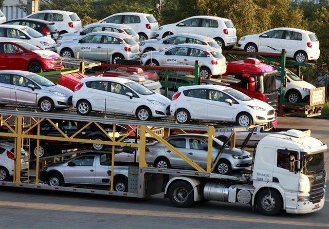 وزارت صنعت: ممنوعیت واردات خودرو لغو نمیشود