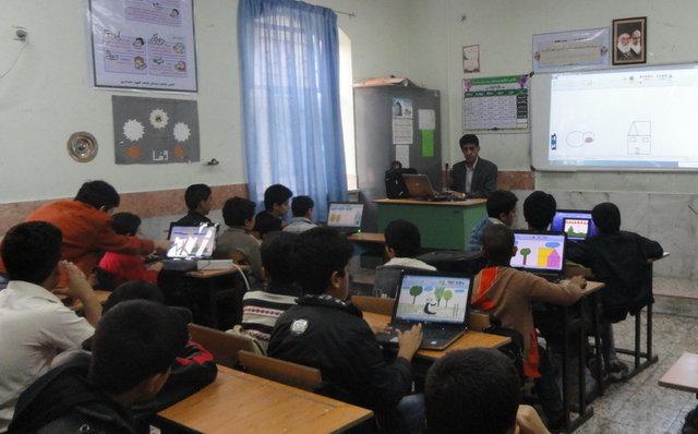 اتصال ۶۰۰ مدرسه کشور به شبکه ملی ارتباطات