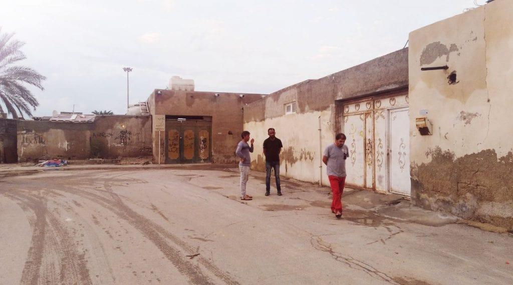 گزارشی از زیست بومیان و کارگران مهاجر در منطقه آزاد: مطرودان کیش