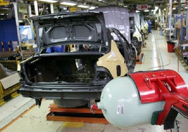 ایران خودرو: 34 هزار خودروی گازسوز تا پایان سال تولید می کنیم