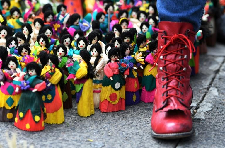 تظاهرات گسترده جهانی در حمایت از زنان/