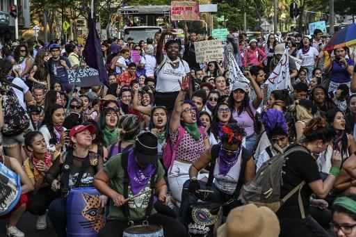 اعتراض زنان به حذف خشونت خانگی در کلمبیا