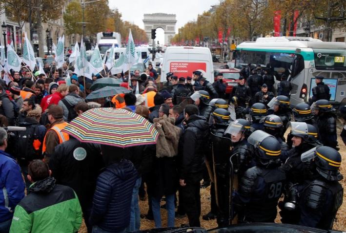 کشاورزان معترض فرانسه