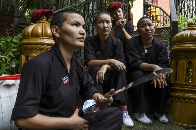 راهبه های نپال در حال تمرین کونگ فو