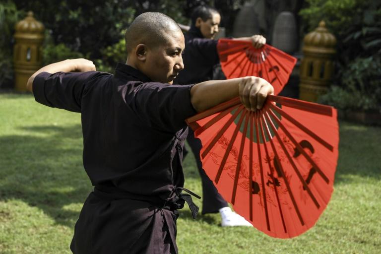 تمرین صبحگاهی راهبه های تبت مقابله مردسالاری