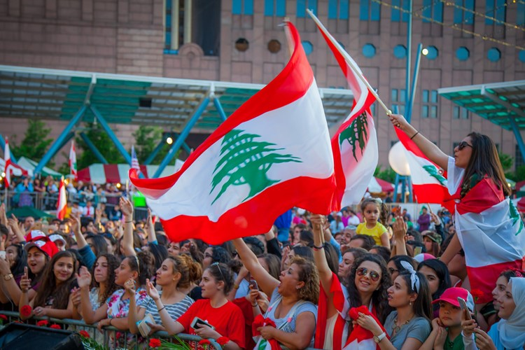 فراخوان تازه برای ادامه اعتراضات در لبنان/اعتصابها ادامه دارند