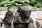 شاه غمگین و معشوقه خائن/ دیدار با یک افسانه در بهشت استوایی (فیلم و عکس)