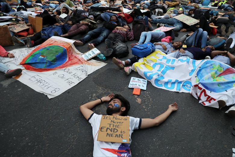 تظاهرات جهانی علیه تغییرات آب و هوایی همزمان با جمعه سیاه