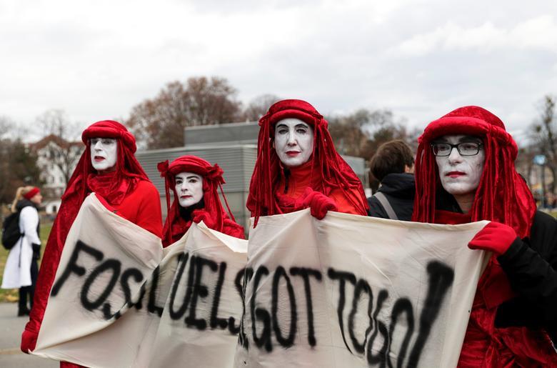 تظاهرات جهانی علیه تغییرات آب و هوایی (+عکس)