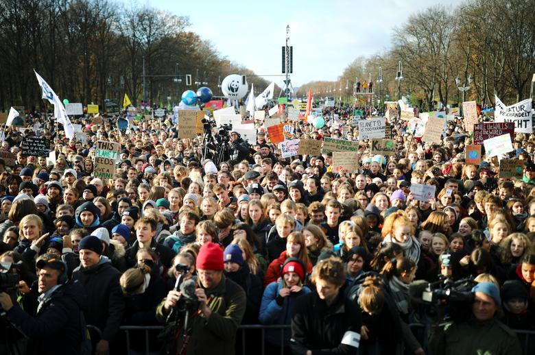 تظاهرات مردم جهان علیه تغییرات اب و هوایی