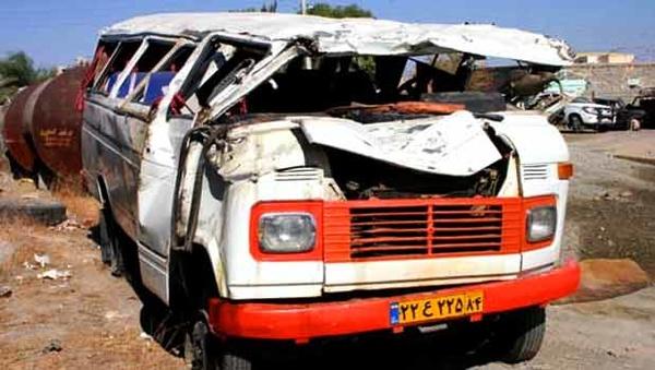 یک کشته و 10مصدوم در تصادف مینیبوس با زانتیا