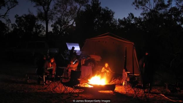 چادر زدن استرالیایی ها در خانه
