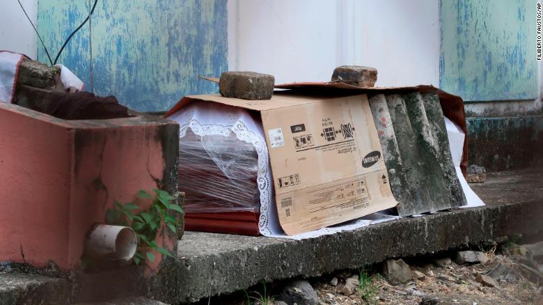 بحران جسدهای کرونایی در پرجمعیتترین شهر اکوادور