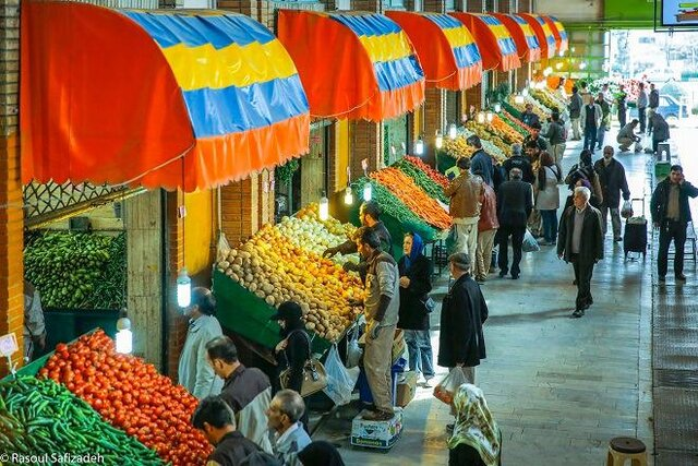 آغاز اجرای طرح فاصلهگذاری فیزیکی در میادین میوه و تره بار تهران