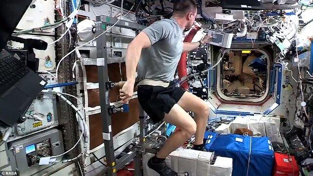 انگیزهدهی فضانوردان به افرادی که به دلیل کرونا ویروس در خانه ماندهاند (+عکس)