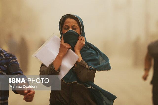 آلودگی هوای کرمان ۲۸ برابر حد مجاز/ ادارات و بانکها تعطیل شدند