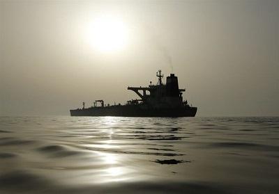 ایران موقتا یک شناور را در خلیج فارس توقیف کرد