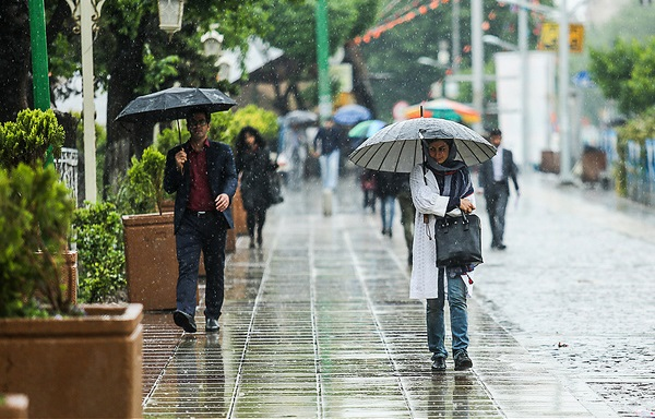 هوای اغلب استانها بارانی شد/ کاهش دما در شمال کشور