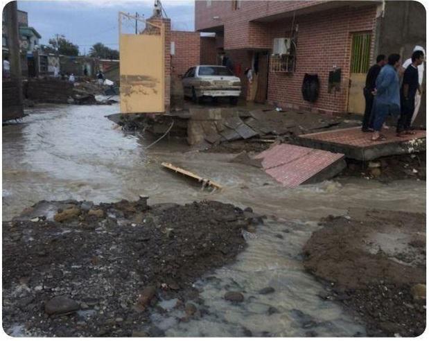 تصاویری از خسارات ساعات گذشته بارشهای سیل آسا در روستای تیس چابهار سیستان و بلوچستان