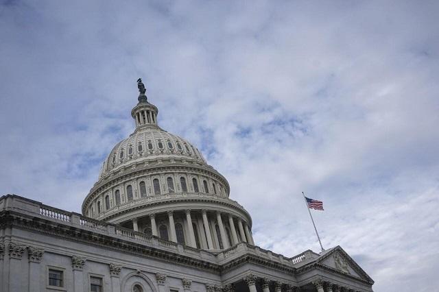 تصویب طرح ۲ تریلیون دلاری مقابله با کرونا در سنای آمریکا