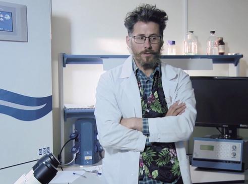 قتل یک دانشمند روسی که روی واکسن کرونا تحقیق میکرد (+عکس)