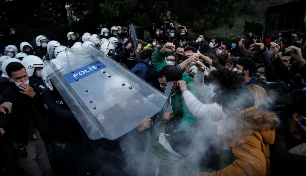 درگیری دانشجویان و پلیس ترکیه