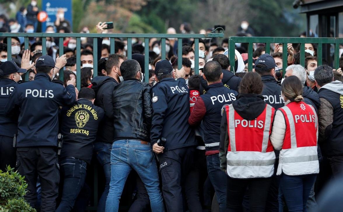 درگیری پلیس و دانشجویان ترکیه