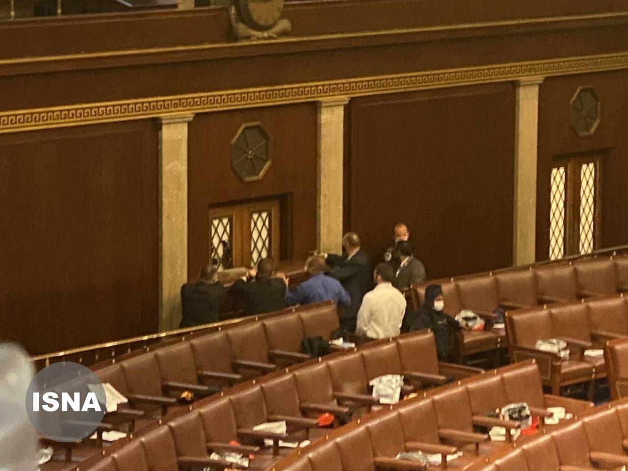 حمله حامیان ترامپ به ساختمان کنگره امریکا/مجلس سنا در تسخیر معترضین
