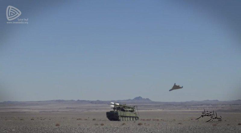ادعای آسوشیتدپرس: پهپادهای رزمایش روز جمعه سپاه مشابه پهپاد هایی هستند که به تاسیسات نفتی عربستان حمله کردند