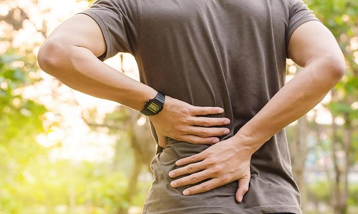 علائم و نشانههای اسپوندیلیت آنکیلوزان